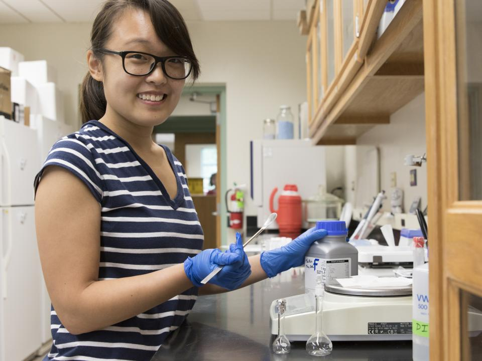 Student Pinky Liau works in a science lab at Horn Point Laboratory.
