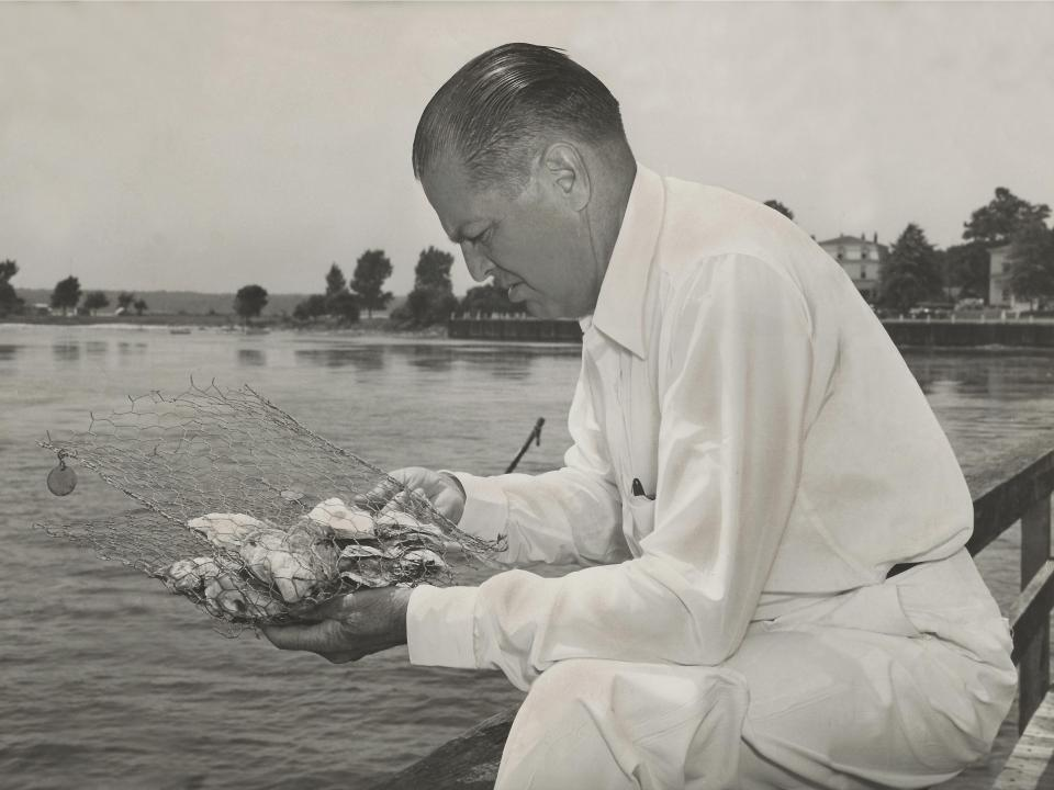 Truitt with oysters