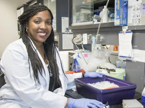 Graduate student Shadaesha Green in the lab.