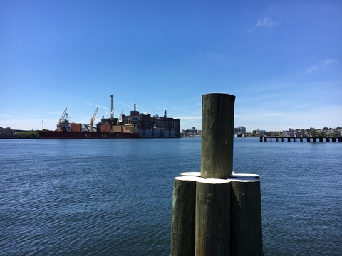 Landscape picture of Baltimore Harbor