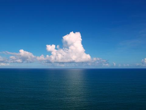 Clouds_over_the_Atlantic_Ocean_By Tiago Fioreze (Own work)