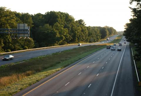 Photo of grassy median between the westbound and eastbound lanes of Interstate 70 in Howard County Maryland